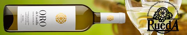 Los jóvenes beben vinos Rueda
